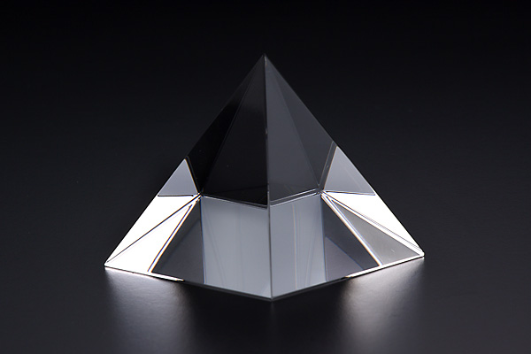 ピラミッド 美麗ケース付
